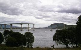 Missing span of Tasman Bridge after crash of Lake Illawarra