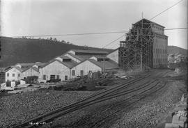 Construction of leaching division below train line at E.Z. Co. Zinc Works at Risdon