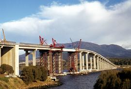 Repairs on Tasman Bridge roadspan