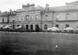 Cars in front of Parliament House