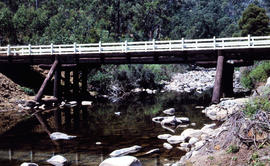 Timber bridge across Plenty River