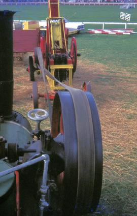 Belt-driven baling with steam engine