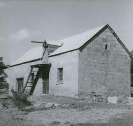Photograph of barn on Dromedary Road